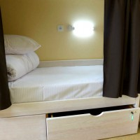 4-beds_room